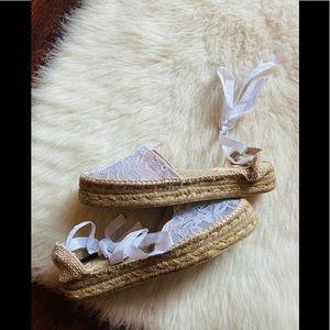 Manebi Hamptons lace espadrille